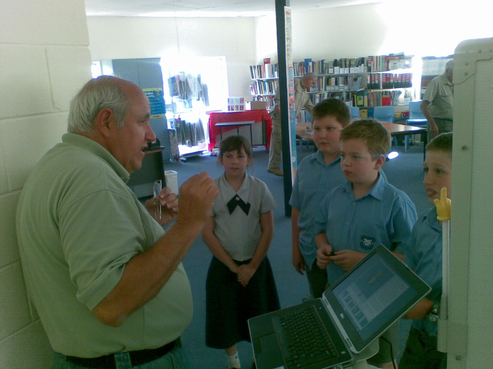 A group of keen astronomers were lucky enough to talk to Thomas Bopp, the co-discoverer of Comet Hale–Bopp, on a recent visit to Australia. Thomas was kind enough to dedicate some of his time to students from BTC.